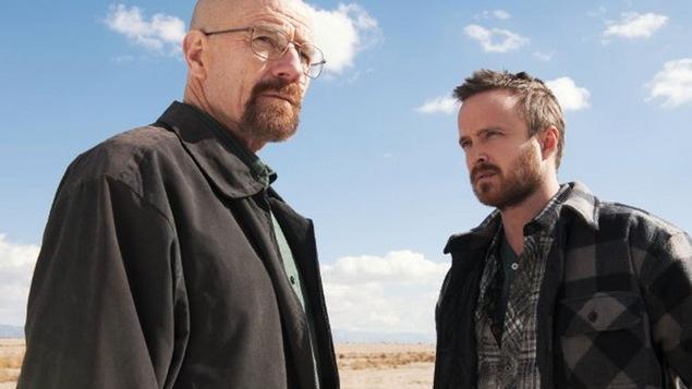 Breaking Bad : série télévisée de Sony Pictures Television, mettant en vedette Bryan Cranston et Aaron Paul.