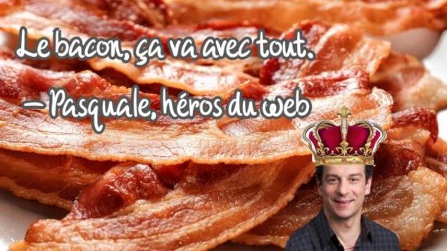 Montage photo de Pasquale devant un fond rempli de bacon.