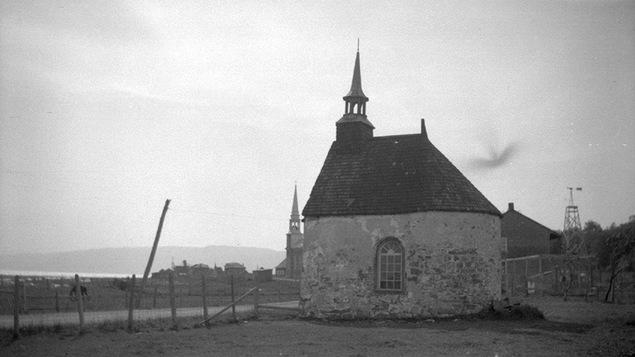 Petite chapelle à Saint-Louis-de-l'Isle-aux Coudres, en 1942
