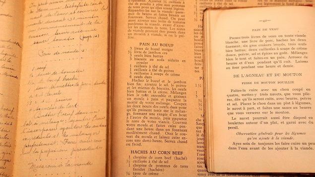 Jehane beno t la grande dame de la cuisine qu b coise for Anciens livres de cuisine
