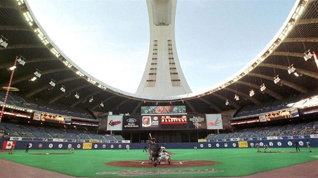 Match des Expos en 1991 avec l'ouverture du toit du Stade