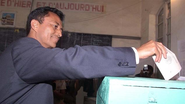 L'ex-président de Madagascar lors de l'élection présidentielle de 2001