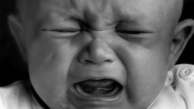Un bébé qui pleure