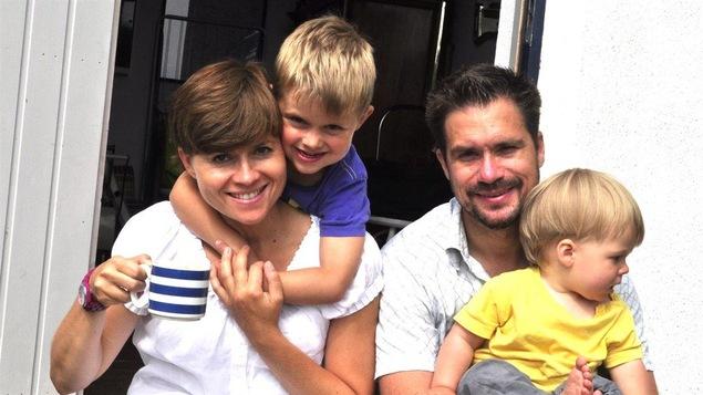 Stéfanie et Erik avec leurs enfants Teo et Robin