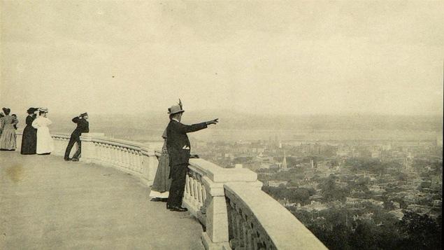 Sur le belvédère du mont Royal, début du 20e siècle