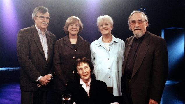 Maurice Perron, Françoise Sullivan, Marcelle Ferron, Madeleine Arbour et Pierre Gauvreau en 1998