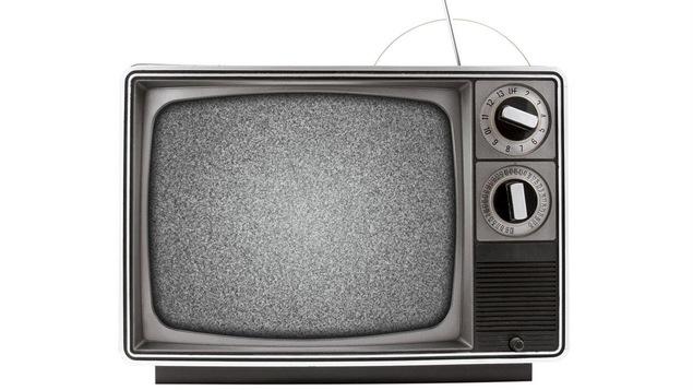 Image embrouillée sur une télévision