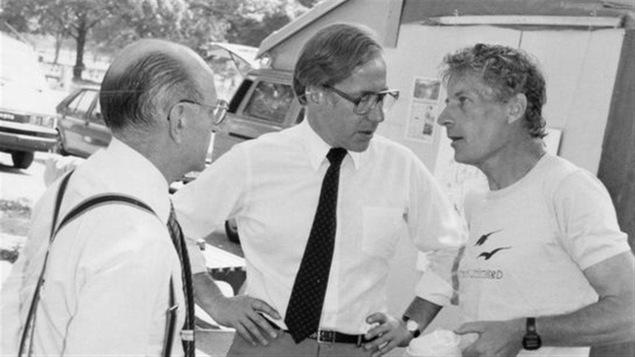 Michel Careau, à droite, lors d'une course de 1300 miles à New York en 1987