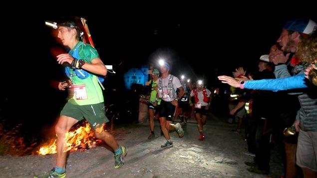 Une bonne partie des ultramarathons se déroulent de nuit.