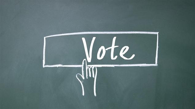 Pour avoir envie de voter, encore faut-il s'intéresser à la politique!