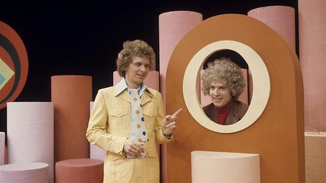 Serge Thériault et Claude Meunier dans un sketch diffusé en 1978