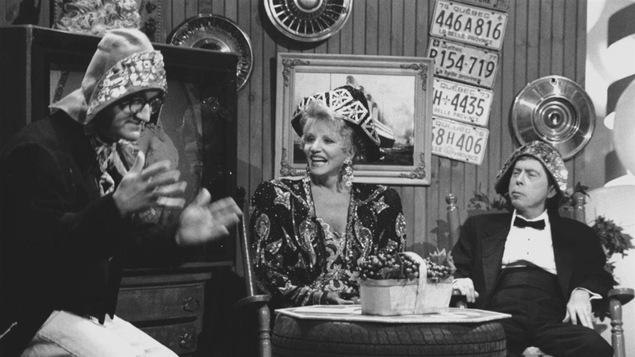 Michel Barrette dans son personnage de « Hi! Ha! Tremblay », Suzanne Lapointe et Gilles Latulippe.