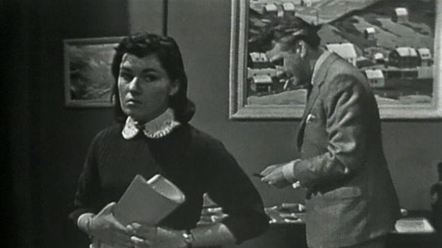 La comédienne Monique Miller dans le rôle de Florence, une pièce de Marcel Dubé, en 1957