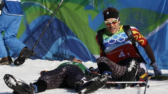 Alex Harvey, à droite, aux Jeux olympiques de Vancouver