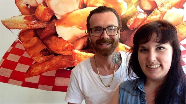 David Lassonde, copropriétaire du Snack bar Saint-Jean, et la gérante, Marie-Andrée Bourdeau