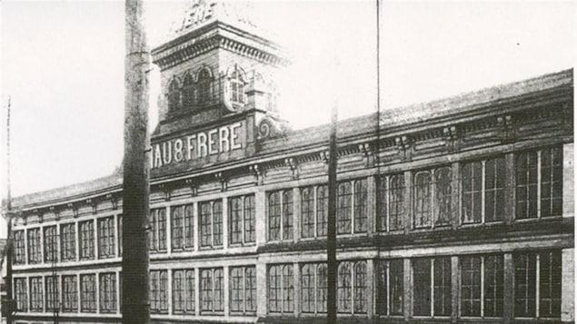 Usine Viau & Frère, rue Notre-Dame, vers 1900