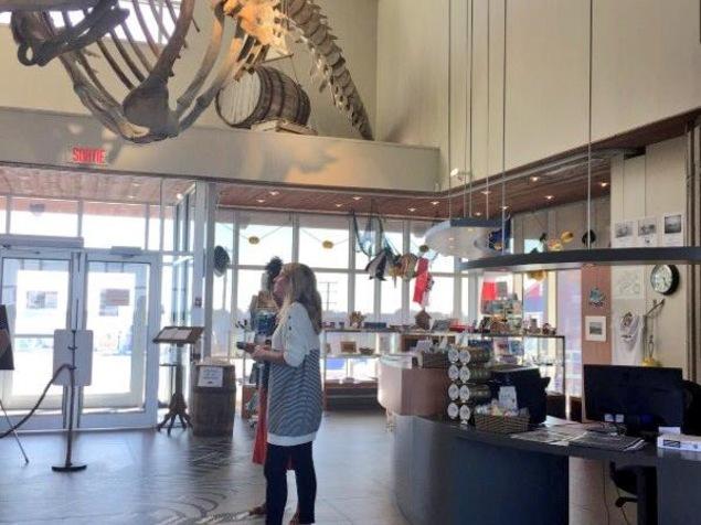 Mélanie Joly au Musée de la mer
