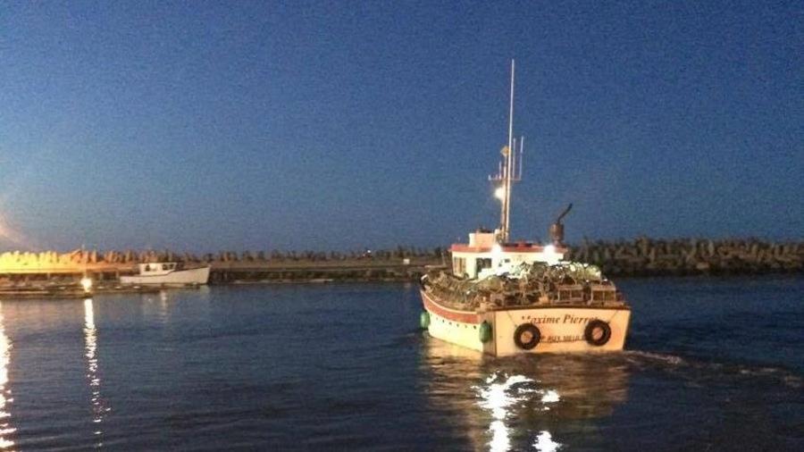 Les pêcheurs partent avant le lever du soleil.