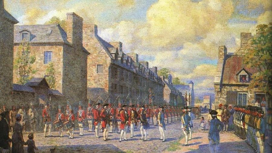 Un bataillon de soldats anglais parade dans les rues de Montréal sur la peinture i>Capitulation de Montréal en 1760</i>.