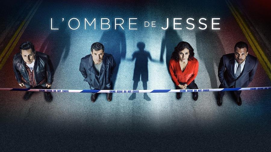 Les 4 personnages se tiennent debout, avec derrière eux leur ombre et celle d'un enfant.