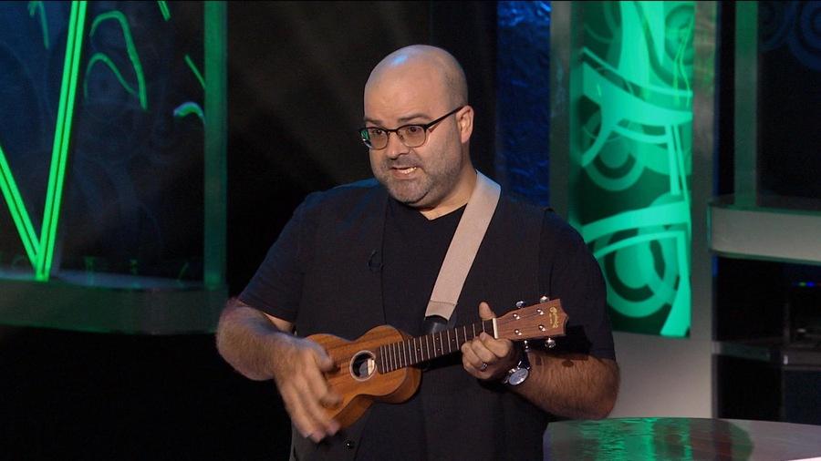 Laurent Paquin qui chante.