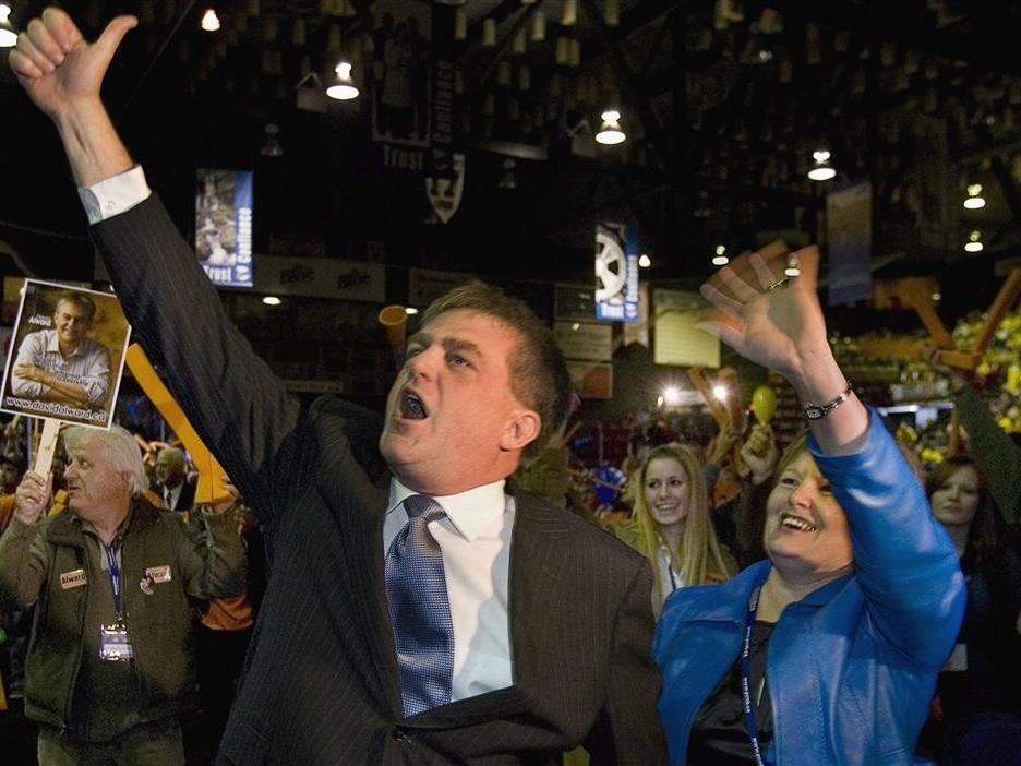 David Alward devient chef du Parti progressiste-conservateur du Nouveau-Brunswick le 17 octobre 2008. On le voit ici avec son épouse Rhonda.