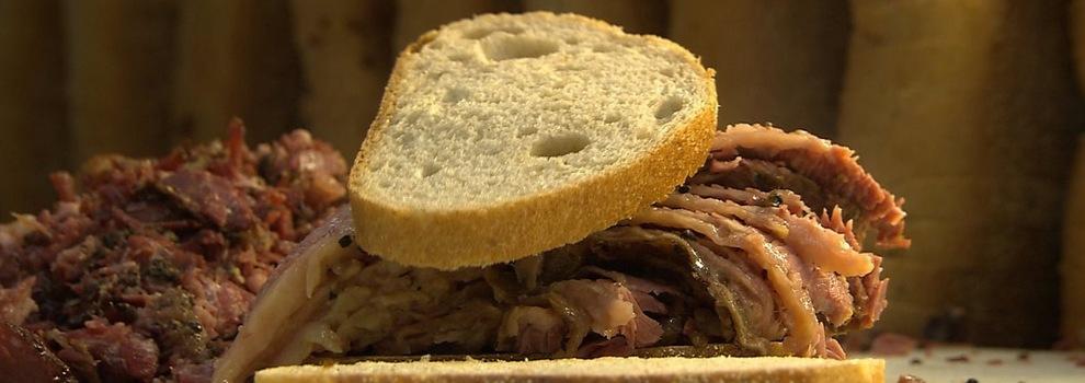 L'incroyable odyssée du smoked meat montréalais